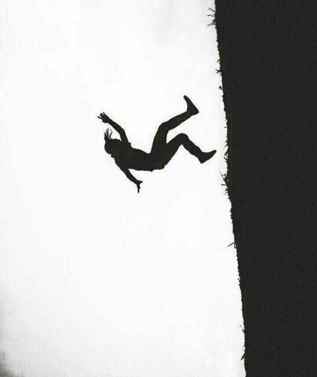 عکس پروفایل سقوط یک مرد