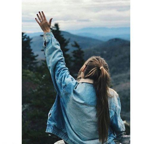 عکس پروفایل دختری در کوه