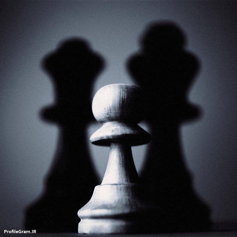 عکس پروفایل مهره سرباز شطرنج سیاه سفید