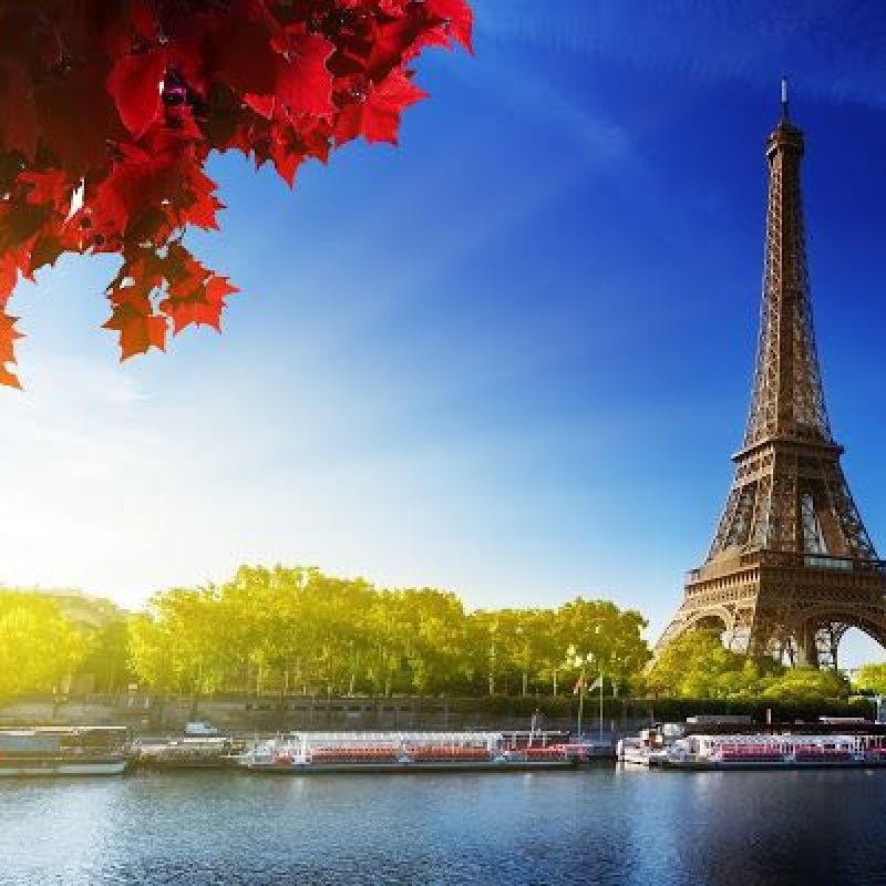 عکس پروفایل برج ایفل پاریس در روز آفتابی