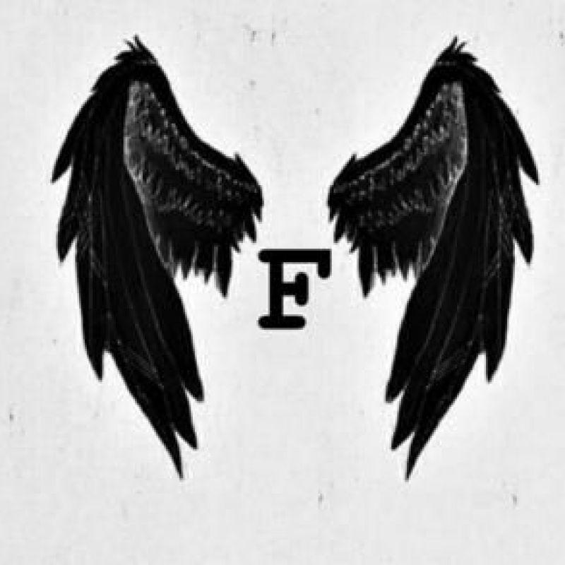 عکس پروفایل حرف F انگلیسی با طرح بال های مشکی