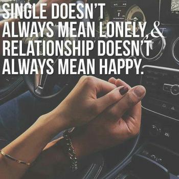 عکس پروفایل مجرد بودن به معنای تنهایی نیست