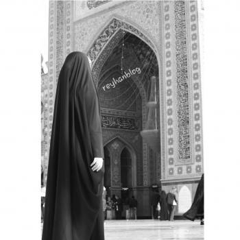 عکس پروفایل دختری در مسجد