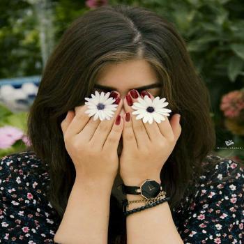 عکس پروفایل دخترانه و گل زیبا