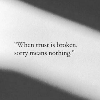 عکس پروفایل وقتی اعتماد از بین رفت ببخشید دیگه معنی نداره