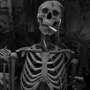 عکس پروفایل اسکلت سیگاری