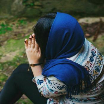 عکس پروفایل دختری تنها