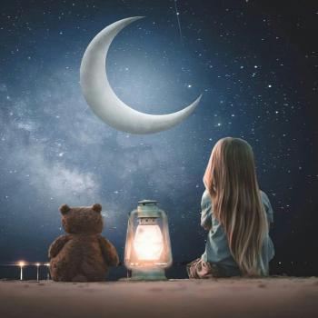 عکس پروفایل دخترک و عروسک