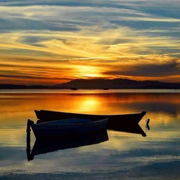 عکس پروفایل قایقی در طلوع آفتاب