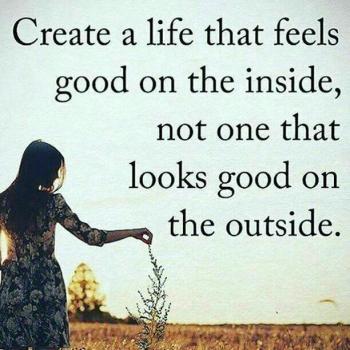 عکس پروفایل انگلیسی یه زندگی بساز که درونت حس خوبیو ایجاد کنه
