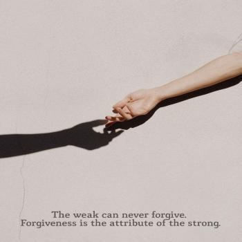 عکس پروفایل مثبت آدمای ضعیف هیچوقت نمیتونن ببخشن بخشش ویژگی آدمای قویه