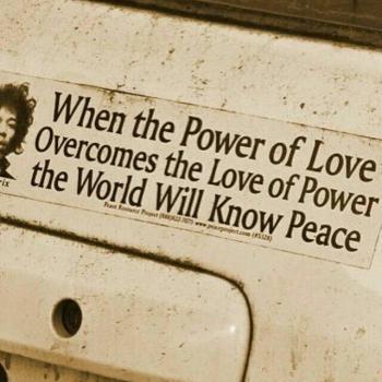 عکس پروفایل انگلیسی زمانی که قدرتِ عشق بر عشقِ قدرت غلبه کند جهان