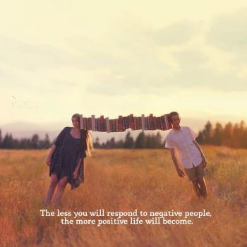 عکس پروفایل مثبت هر چقد بیشتر از آدمای منفی باف فاصله بگیری زندگیت مثبت تر میشه