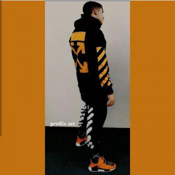 عکس پروفایل ست پسر ورزشکار با گرمکن زرد