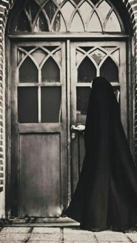 عکس استوری زن چادری در خانه قدیمی