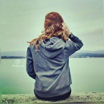 عکس پروفایل ست دختر در کنار رودخانه