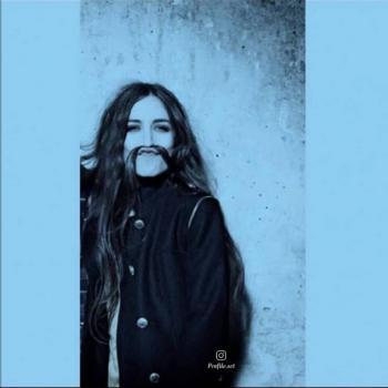 عکس پروفایل ست دختر با سیبیل خنده دار