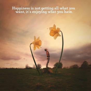 عکس پروفایل انگلیسی خوشبختی یعنی از همه چیزایی که داری لذت ببری