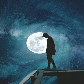 عکس پروفایل پسر غمگین و آسمان مهتابی