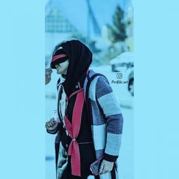 عکس پروفایل ست دختر خنده رو عاشق با لباس زمستانی