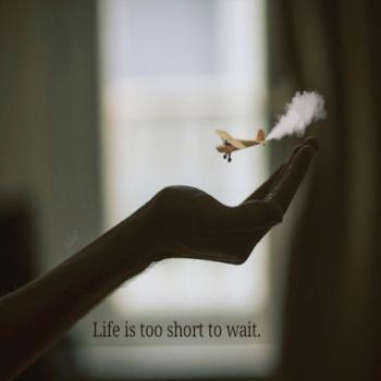 عکس پروفایل انگلیسی زندگی خیلی کوتاه تر از اونه