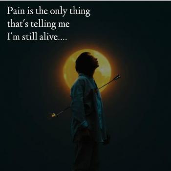 عکس پروفایل درد تنها چیزیه که بهم میگه هنوز زنده ام
