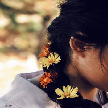 عکس پروفایل دخترونه دختر با مو های گیس شده