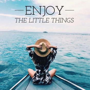 عکس پروفایل انگلیسی از چیزای کوچیک لذت ببر