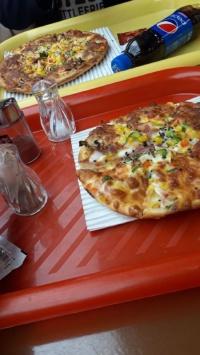 عکس استوری پیتزا در فست فود اینستا