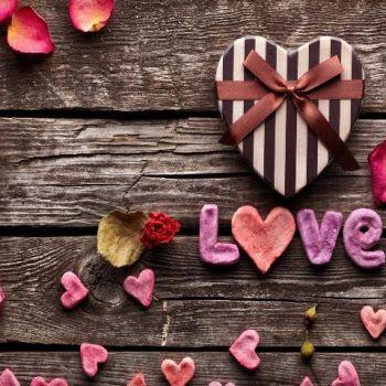 عکس پروفایل چوبی عشق زیبا LOVE