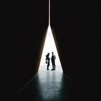 عکس پروفایل مثلث هنری مدرن