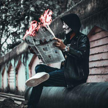 عکس پروفایل جوکر روزنامه خوان آتشی