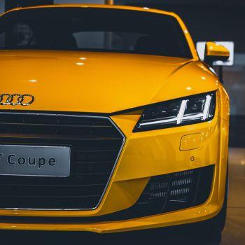عکس پروفایل ماشین آئودی زرد باکلاس
