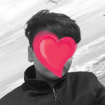 عکس پروفایل پسر ناشناس کنار دریا با قلب