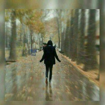عکس پروفایل برای افراد تنها و خاص در هوای بارونی پاییز